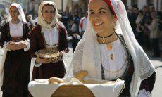 Muravera Orangenfest im Frühjahr - das Ferienhaus dazu liegt an der Costa Rei