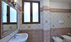 Bad unten mit Dusche und Bidet