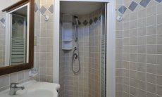 Ensuite-Bad mit Dusche