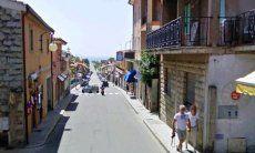 Via del Mare, am Strand links ist dann die Villa Liliana
