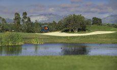 Golfplatz 27 Löcher Is Molas