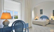 Schlafzimmer 1 mit Meerblick Villa Bella