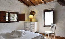 1. Schlafzimmer mit Doppelbett im Obergeschoss