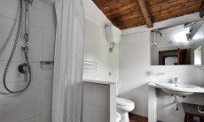 3. Bad mit Dusche und Bidet