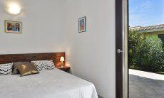 Schlafzimmer 3 mit Doppelbett und Terrassenzugang