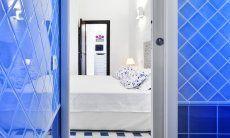 Blick ins Schlafzimmer vom Badezimmer aus  Villa Serena, Costa Rei