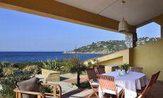 Terrasse mit Blick über die Bucht