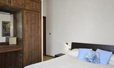 Schlafzimmer 3 mit Doppelbett und Stauraum