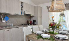 Küche mit Eßtisch von  Villa Campidano 20