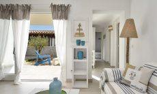 Sofa im Wohnzimmer von  Villa Campidano 20
