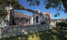 Haus-und Terrassenansicht der Casa 13