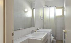 1. Bad im Parterre mit Dusche und Waschmaschine