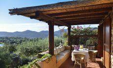 Terrasse mit weitem Ausblick in die Natur