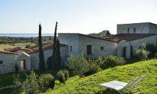 Garten mit Sonnenliegen und Meerblick  Li Conchi 10, Cala Sinzias