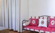 Sofa im Schlafzimmer 1