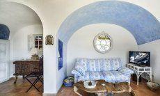 Wohnzimmer im Costa Smeralda Stil