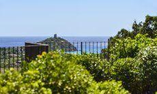 Garten mit Blick auf das Meer