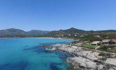 Glasklares Wasser an der Bucht von Villasimius