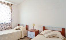 Schlafzimmer 2 oben mit zwei Einzelbetten