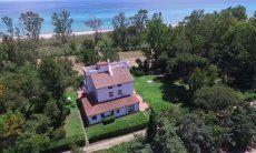 Villa Orri - Sie residieren direkt am Strand bei uns;