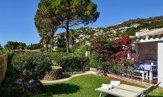 Wunderschöner, gepflegter Garten der Villa Chiara