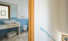 Bad im Erdgeschoß (mit Dusche)