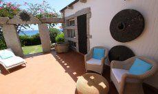 Terrasse mit Aussenmöbeln, Casa 8, Sant Elmo