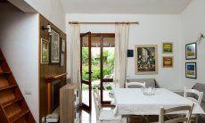 Wohnzimmer mit Terrassenzugang