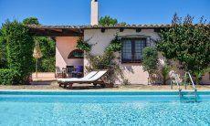 Privatpool der Villa Fiori 3