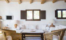 Sofabereich mit TV  Villa Fiori 2 in Is Molas