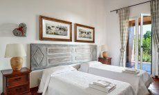 Schlafzimmer 1 Ostflügel mit Terrassenzugang
