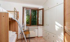 Schlafzimmer 2 mit großem Stauraum