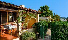Eingangstor zur Terrasse der Villa