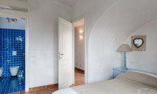 Einganstür und Blick ins private Bad vom Schlafzimmer 1, Li Conchi 29