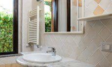 Badezimmer 1 mit Tageslicht