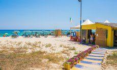 Bobo Beach Bar am Strand, für den täglichen Cappuccino