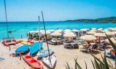 Boots- und Sonnenliegenverleih am Strand Le Bombarde Alghero