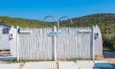 Duschen am Strand von Golfo Aranci