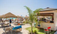 Strandbar am Strand Simius