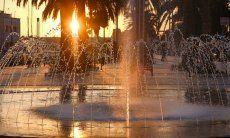 Cagliari, Hauptstadt von Sardinien Springbrunnen bei Sonnenuntergang