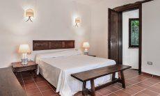 Schlafzimmer 5 mit Doppelbett und Ensuite Bad mit Dusche im UG