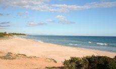 Strand Marinella vor dem Haus