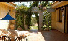 Terrasse mit Blick auf den Garten