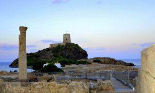 Pula | Römische Säulen und spanischer Wachturm auf der Halbinsel von Nora