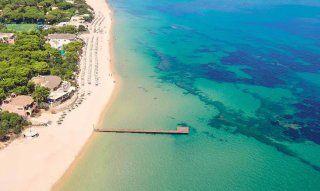Pula | Luftaufnahme vom Strand von Santa Margherita und dem Hotel Forte Village